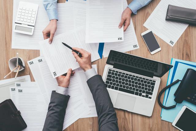 如何选择代理记账公司?一个代账会计多少钱?